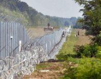 ЗМІ: прем'єр Польщі заявив, що стіна на кордоні з Білоруссю «захистить від Лукашенка і Путіна»