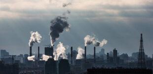 Путин поручил разработать эксперимент по регулированию выбросов парниковых газов